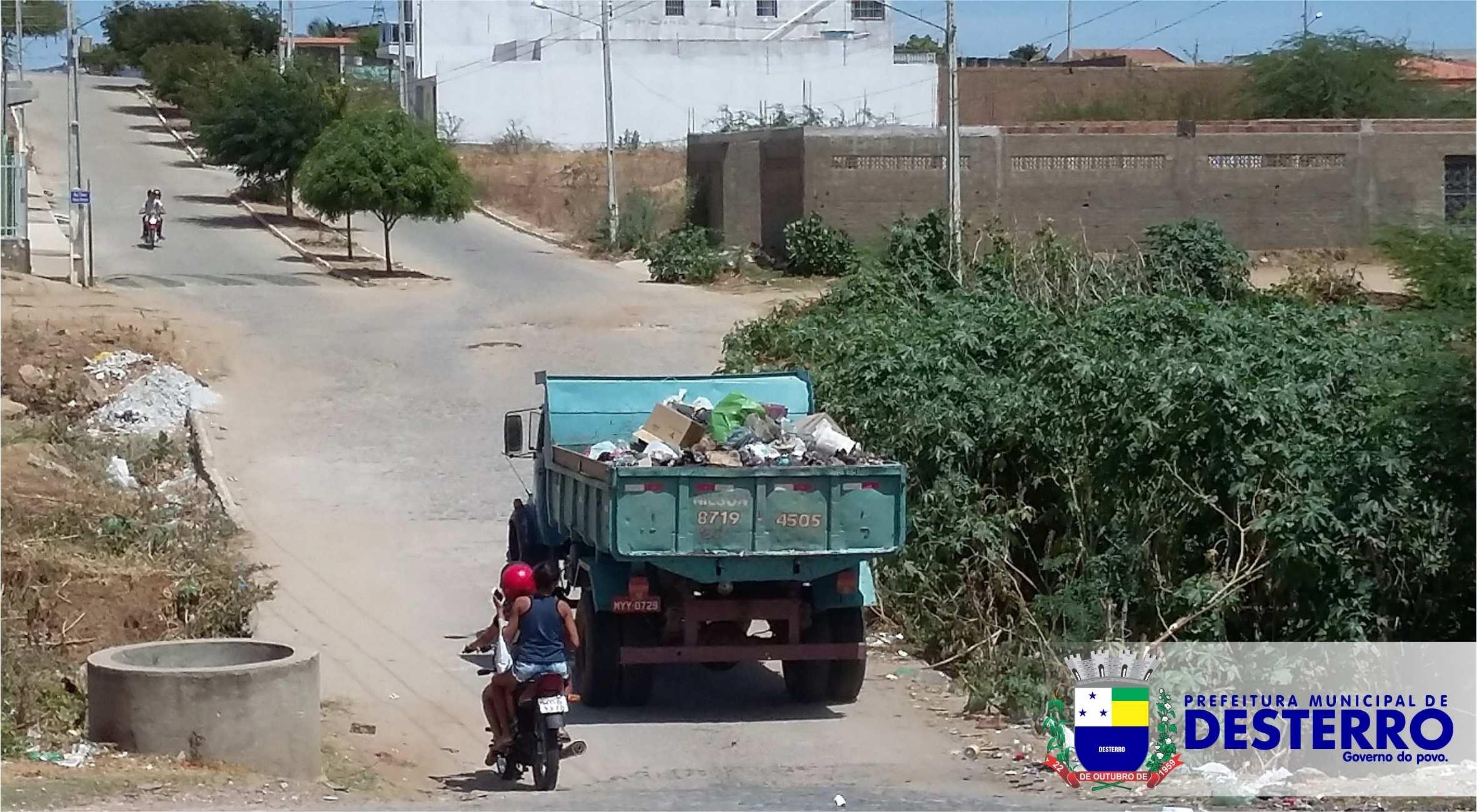 Equipes da Prefeitura trabalham na retirada dos lixões que surgiram...