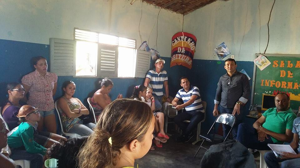 Prefeito Interino Valtécio de Almeida visita comunidade Poço do João.