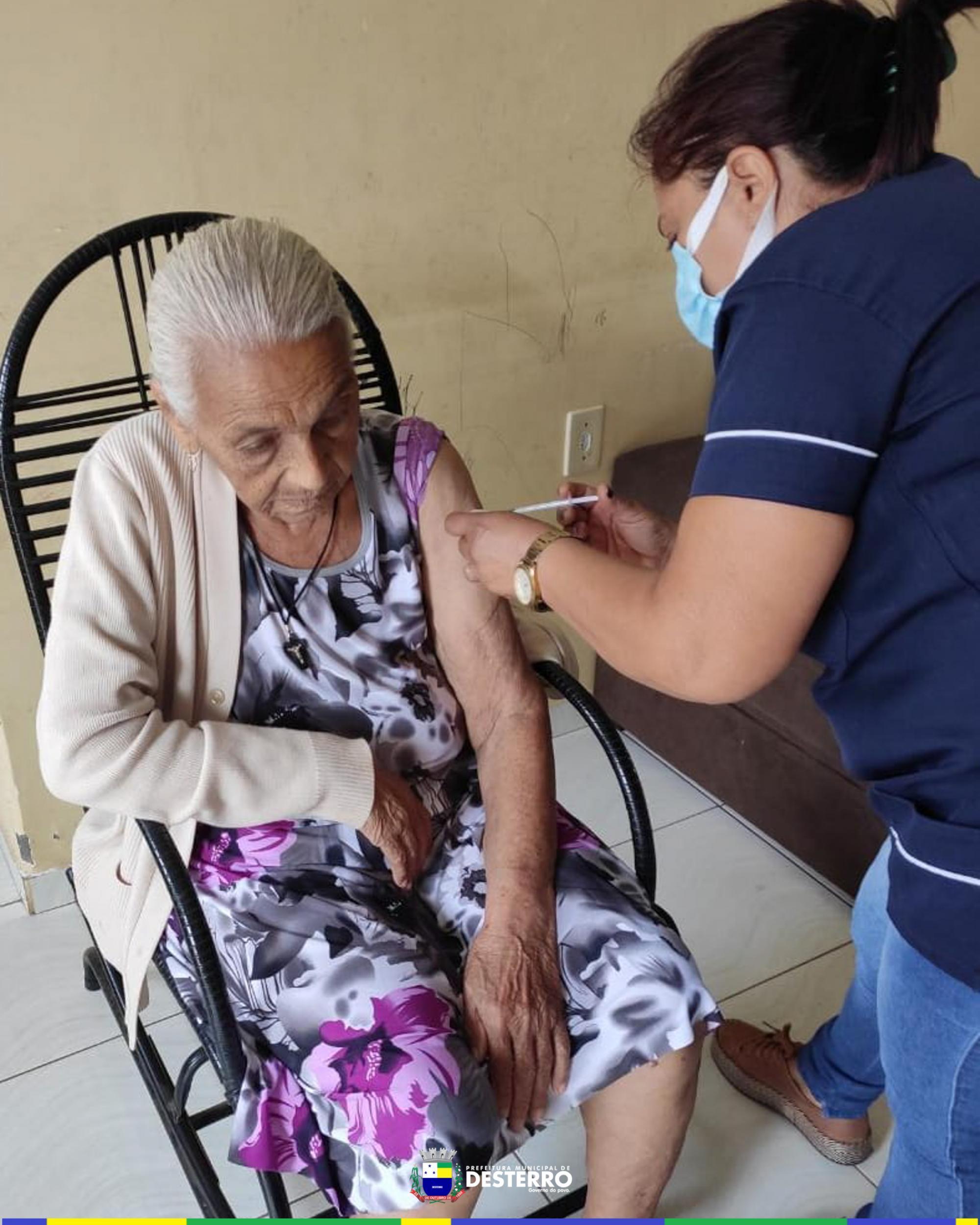 Seguimos forte na vacinação contra o Covid-19.
